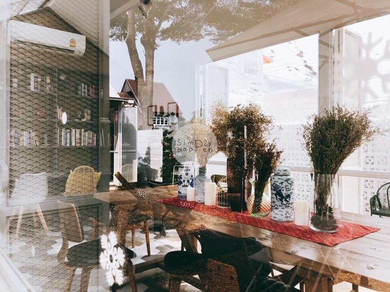 Come Escape Cafe คาเฟ่ร้านกาแฟร้านอาหารถนนราชพฤกษ์ ใกล้ BTS บางหว้า ห้องแอร์
