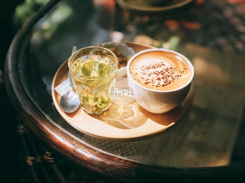 Aroonsawad Coffee House ร้านกาแฟอรุณสวัสดิ์ นนทบุรี ริมคลองมหาสวัสดิ์ เมนูคาปูชิโน่ร้อน