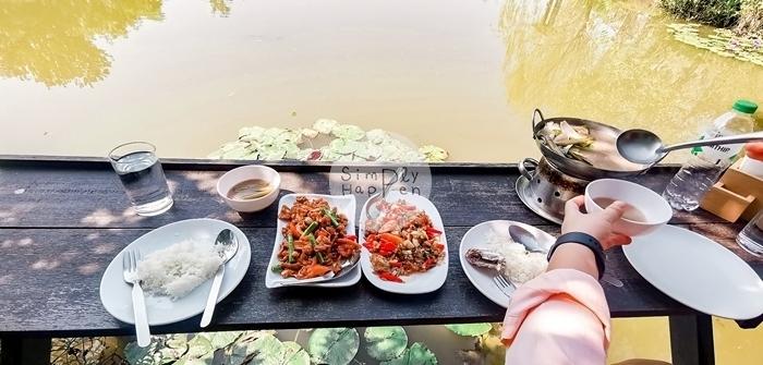 ธรรมชาติโอชา ร้านกาแฟ ร้านอาหารริมน้ำ บ่อบัว สะพานถ่ายรูป เค้กอร่อย ถ.กาญจนาภิเษก นนทบุรี