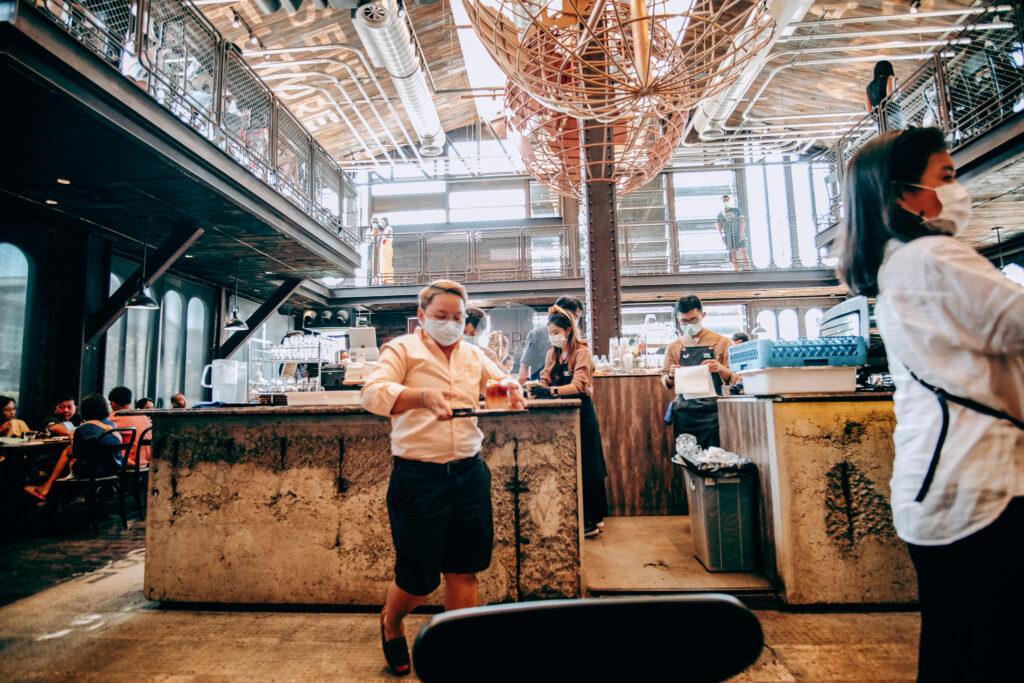 NANA Hunter Coffee Roasters ร้านกาแฟและโรงคั่วเมล็ดกาแฟสุดชิค ย่านตลิ่งชัน ถ.พรานนก-พุทธมณฑลสาย 4 ร้านกาแฟนานา บริการตัวเอง self-services