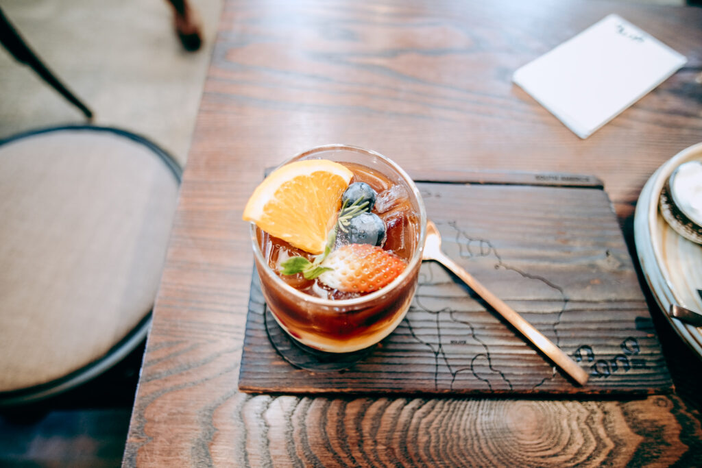 NANA Hunter Coffee Roasters ร้านกาแฟและโรงคั่วเมล็ดกาแฟสุดชิค ย่านตลิ่งชัน ถ.พรานนก-พุทธมณฑลสาย 4 ร้านกาแฟนานา เมนู wake up